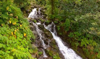 ウトロの秘瀑 三段の滝